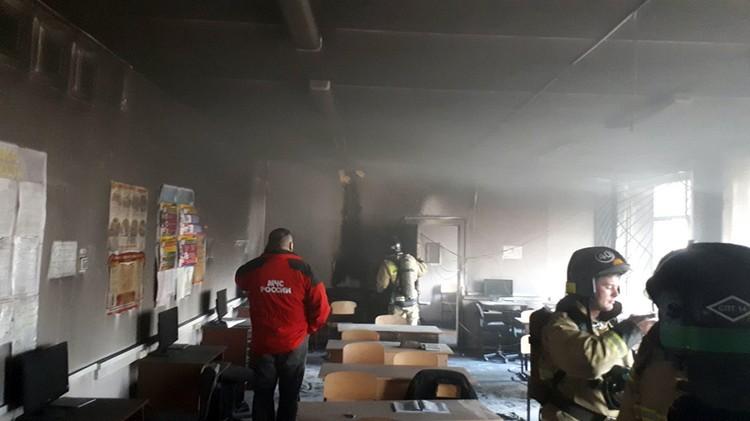 Последствия пожара в классе. Фото:vk.com\Мой Стерлитамак