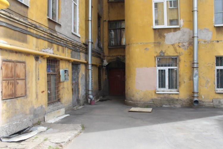 В этом дворе на улице Боровой и произошла трагическая потасовка