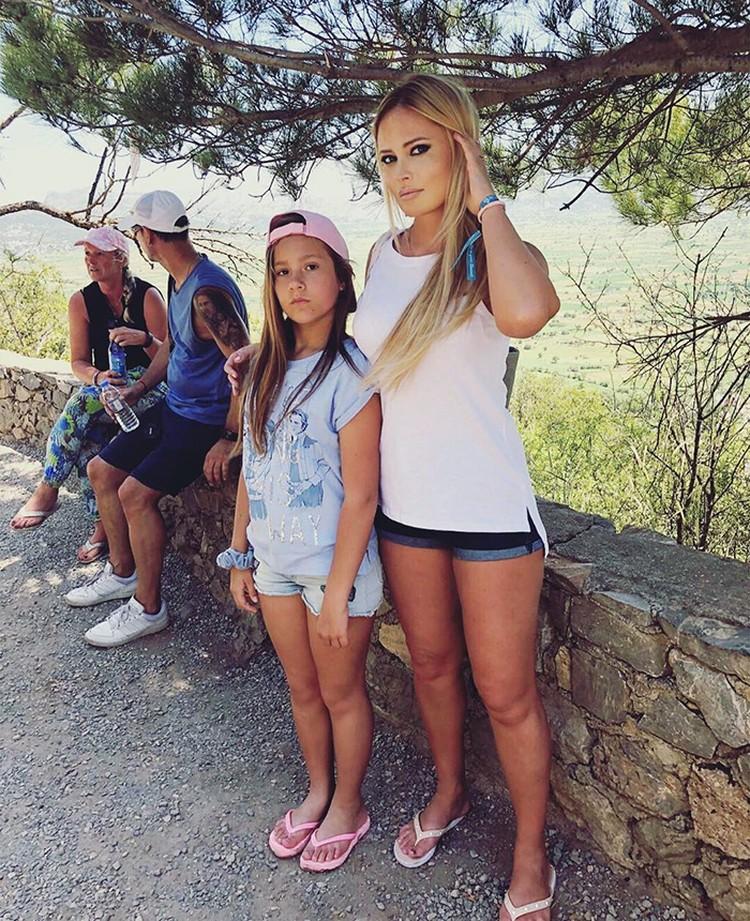 Дана с Полиной вместе отдыхали на Крите