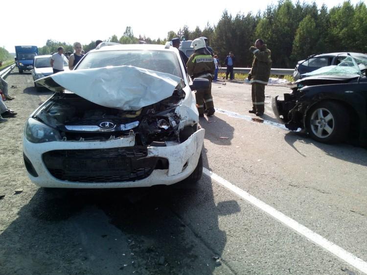 Все водители легковых автомобилей получили травмы