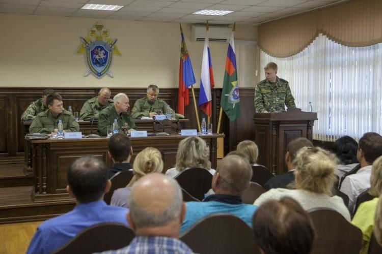 9 июля Александр Бастрыкин встретился с родственниками погибших в пожаре и пострадавшими Фото: СК России
