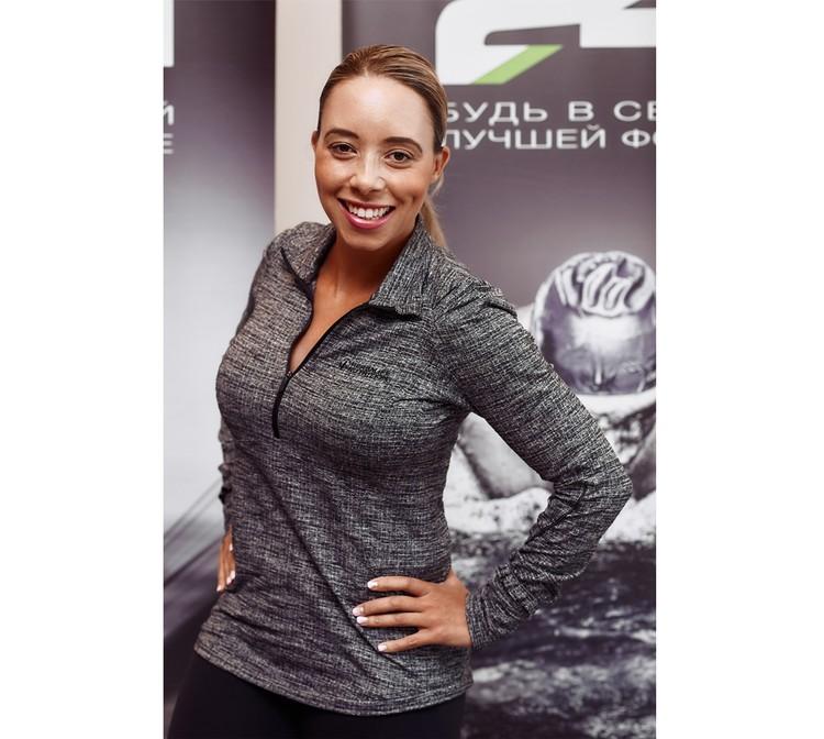 Саманта Клейтон, участница Олимпийских игр 2000 г. в спринте, сертифицированный тренер Американской ассоциации аэробики и фитнеса (AFAA) и Международной ассоциации спортивных наук (ISSA), вице-президент по вопросам фитнес обучения Herbalife Nutrition.