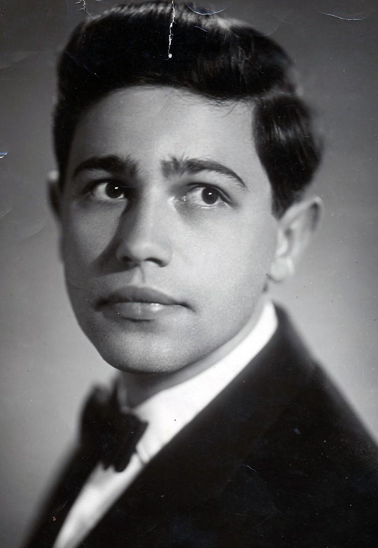 Евгений Петросян в молодости. Фото из личного архива Натальи Кустинской