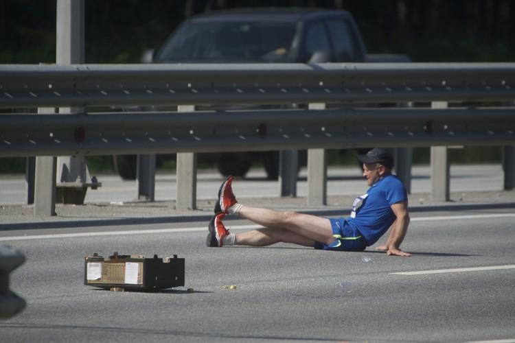 У некоторых спортсменов судорогой сводит ноги. Но они справляются