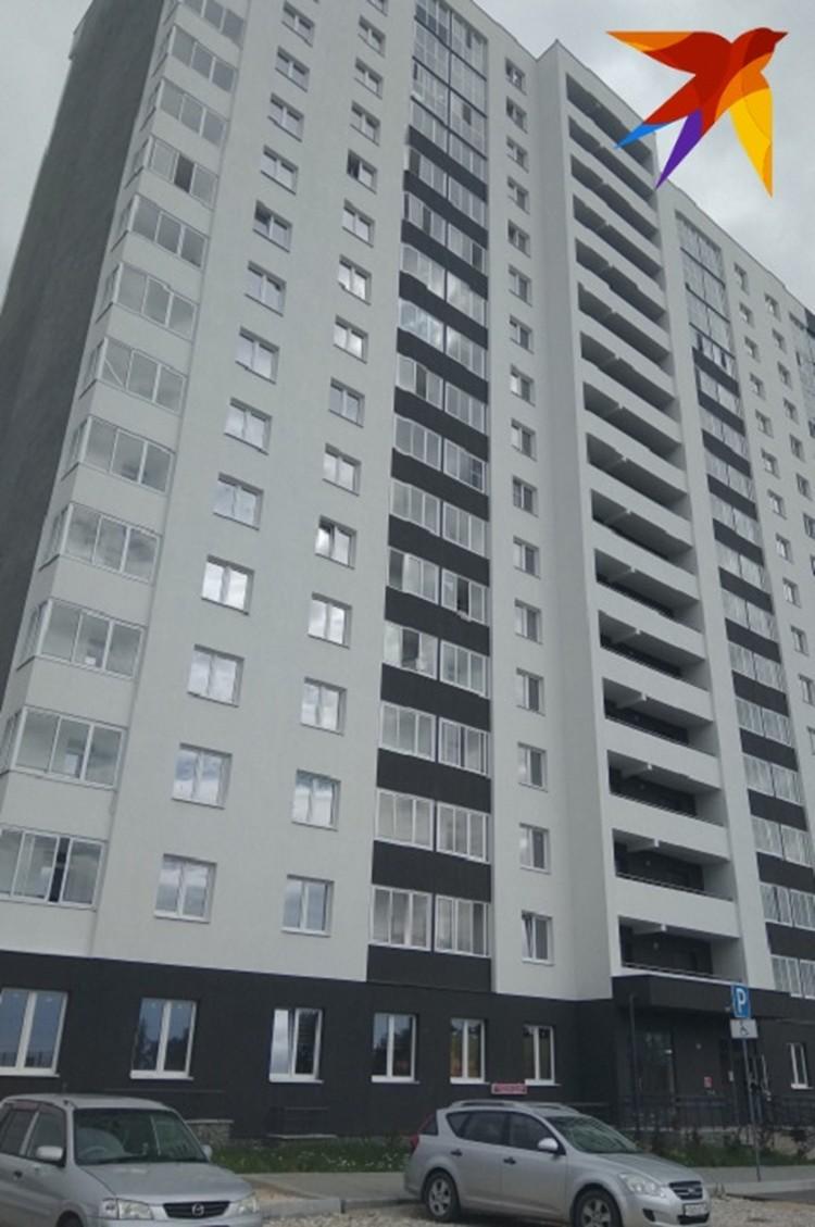 Парень вышел навстречу убийцам из многоэтажки, в которой жил с мамой и братом