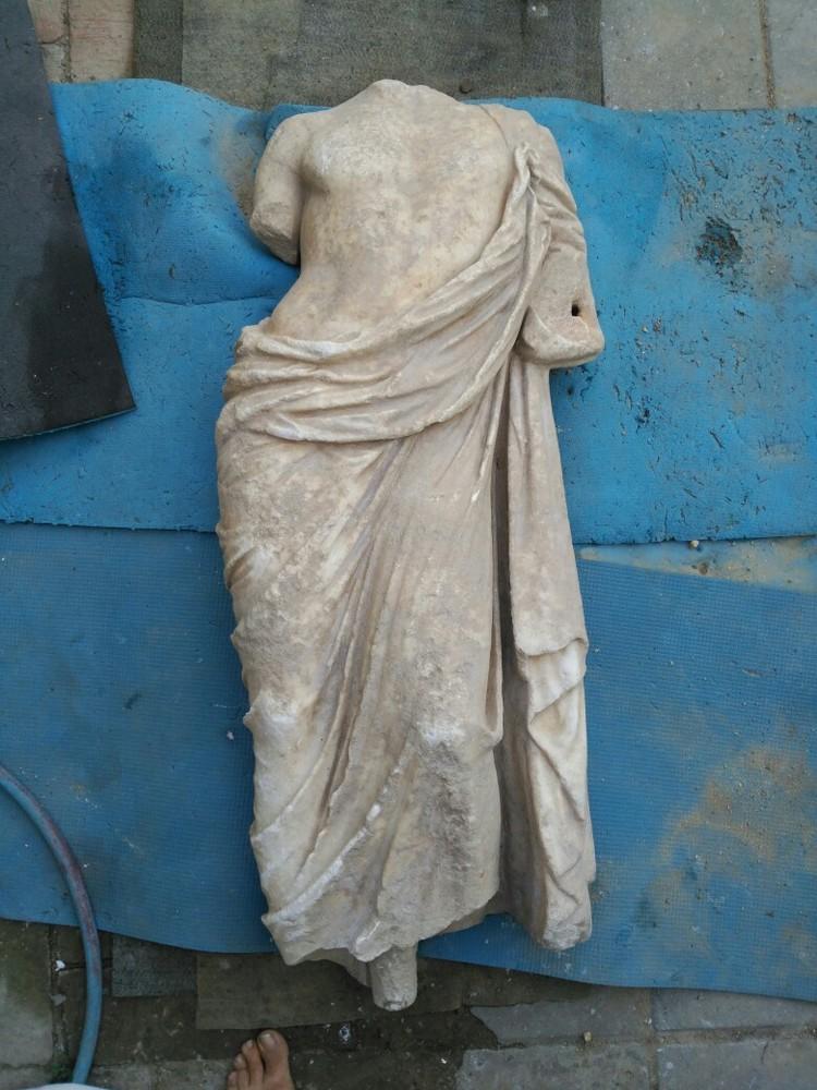 Статуя неплохо сохранилась. Фото: Александр Бутягин