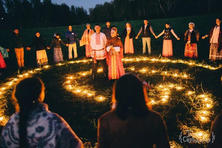 А так свадьба выглядела вечером. Фото: Надежда Семченко