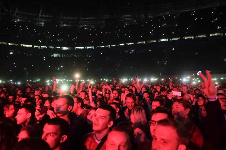 На трибунах и танцполе разместилось 56 тысяч человек