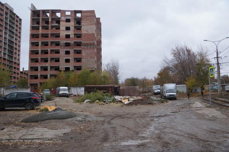 Местные жители говорят, что темных мест возле дома Сторожевой много - да только там бы уже нашли