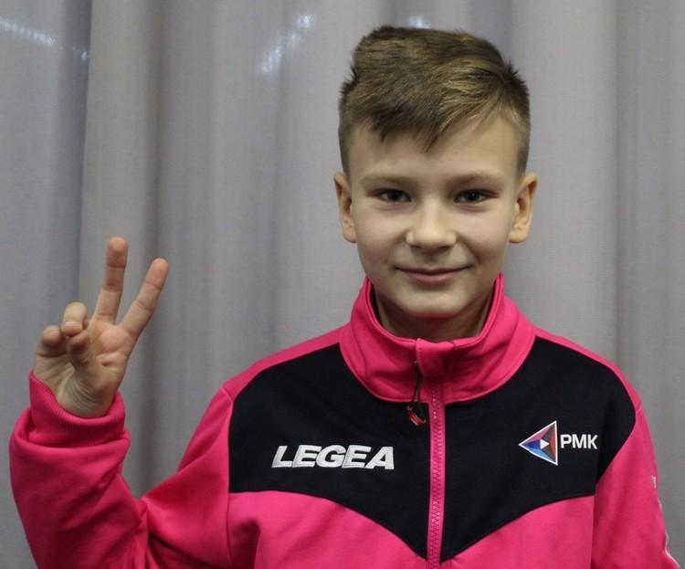 Влада Савичева из дворовой команды пригласили в футбольную академию «Зенита»