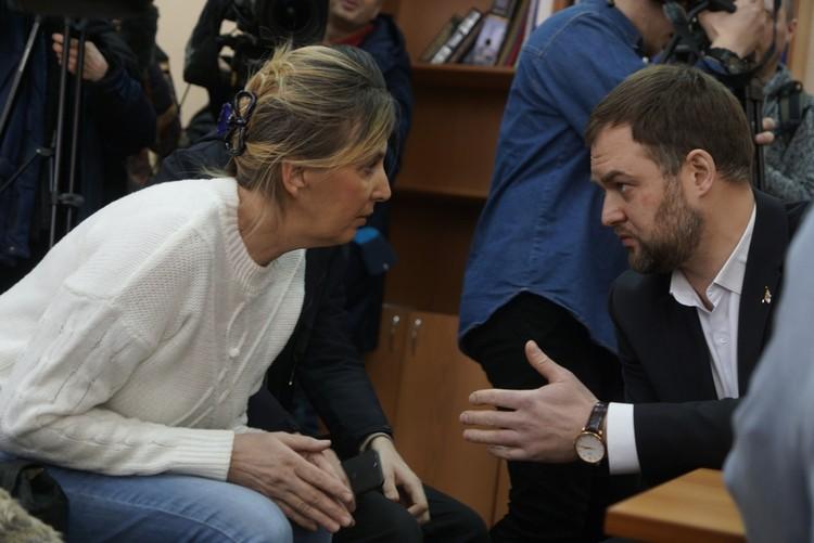 Светлана Рябова с адвокатом Иваном Волковым