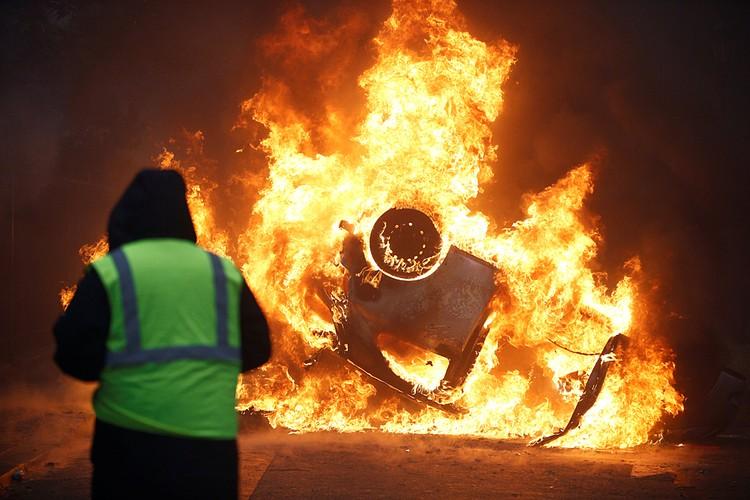 В МВД опасаются, что в толпу протестующих могли проникнуть радикалы