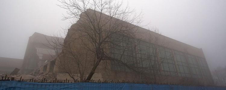 Здание стали демонтировать на прошедших выходных. Фото: группа ВКонтакте «Бадминтон Владивосток»