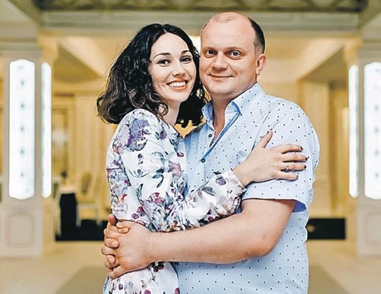 Подполковник Павел Яромчук: по легенде, за него дрались дознавательницы, на деле он любит жену Василю!