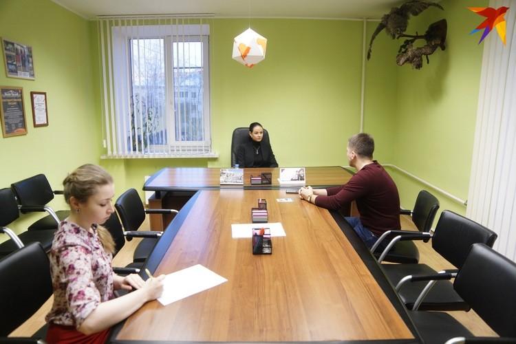 Как и во время любого приема вместе с нами в кабинете находилась помощница Ольги Глацких