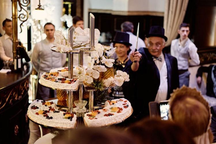 Торт от Метрополя - сладкая мечта каждого петербуржца. Фото Анны Аникиной.