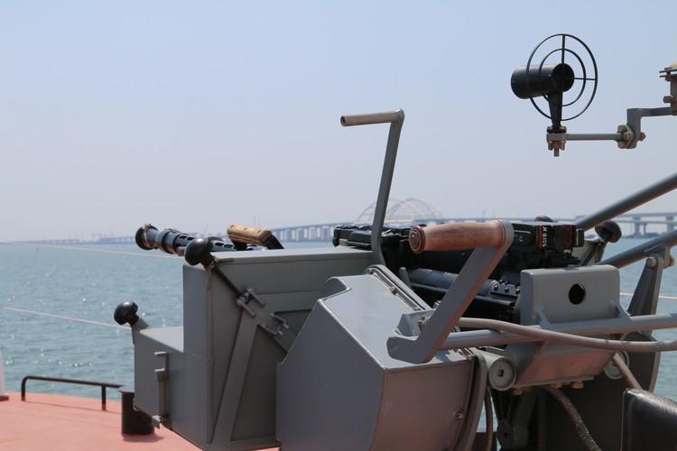 Катера пограничников оснащены пулеметами