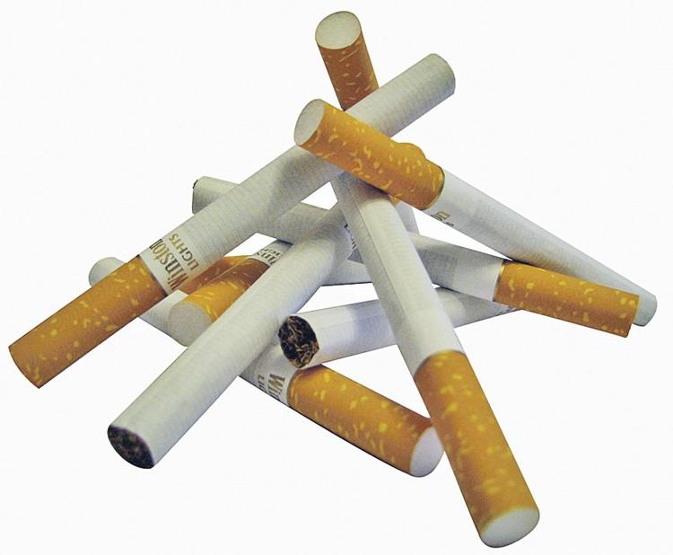 Курильщикам их вредная привычка будет обходиться все дороже.