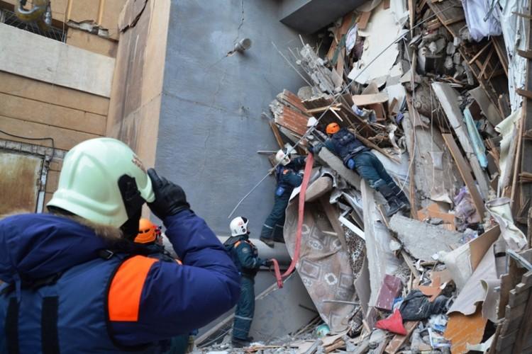НА месте работал полторы тысячи сотрудников экстренных служб. Фото: ГУ МЧС по Челябинской области