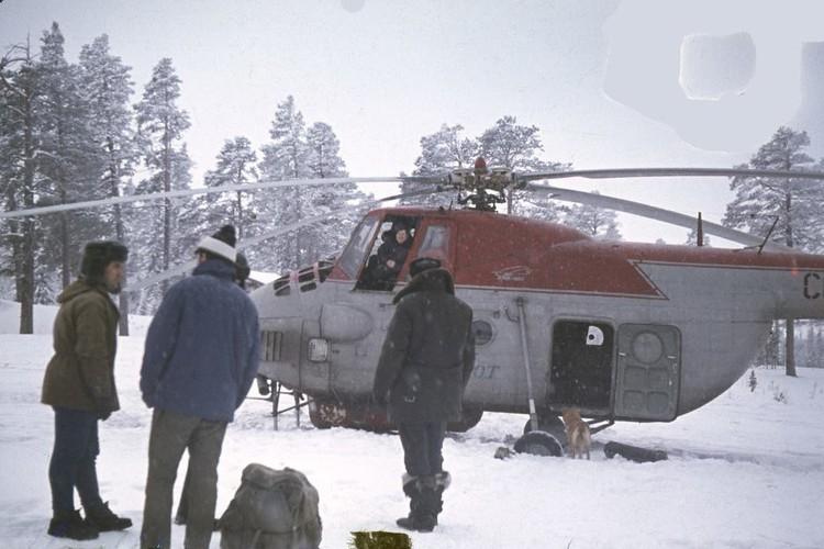 Спасатели перед вылетом на место происшествия.