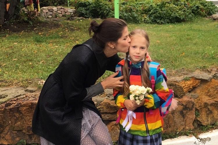 В сентябре Алиса пошла в первый класс, но после зимних каникул в школу больше не вернулась.