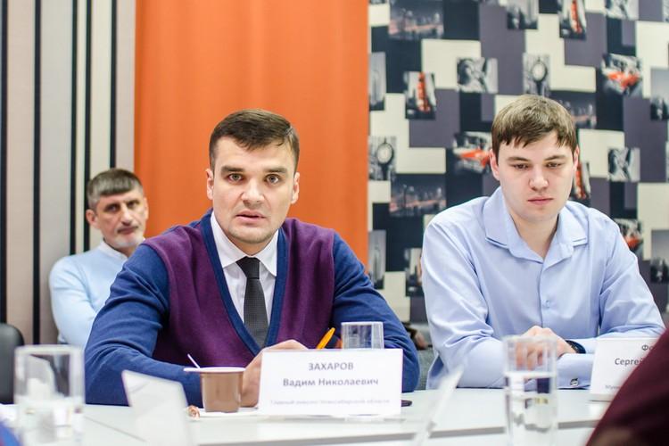 Вадим Николаевич Захаров, главный онколог Новосибирской области, заместитель главного врача по лечебной части Новосибирского областного онкологического диспансера (слева)