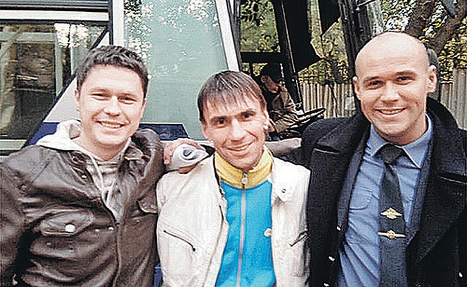 Сергей Шарошкин (в центре) с Максимом Авериным и Денисом Рожковым Фото: СОЦСЕТИ