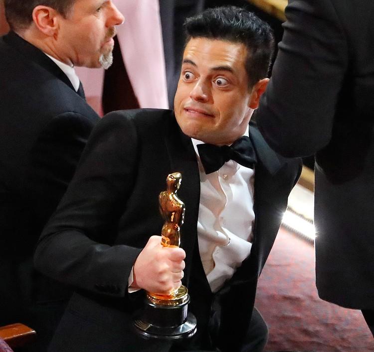 """Рами Малек реагирует на появление в коллекции кинонаград """"Оскара""""."""