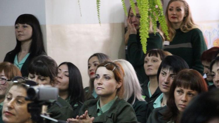 Представительницы отрядов на праздничном мероприятии