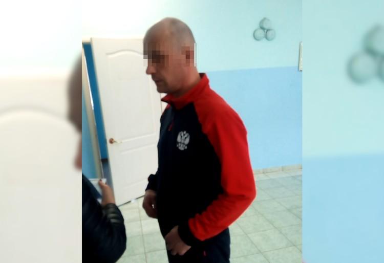 Тренер мальчика Денис Солдатов отказался общаться с журналистами