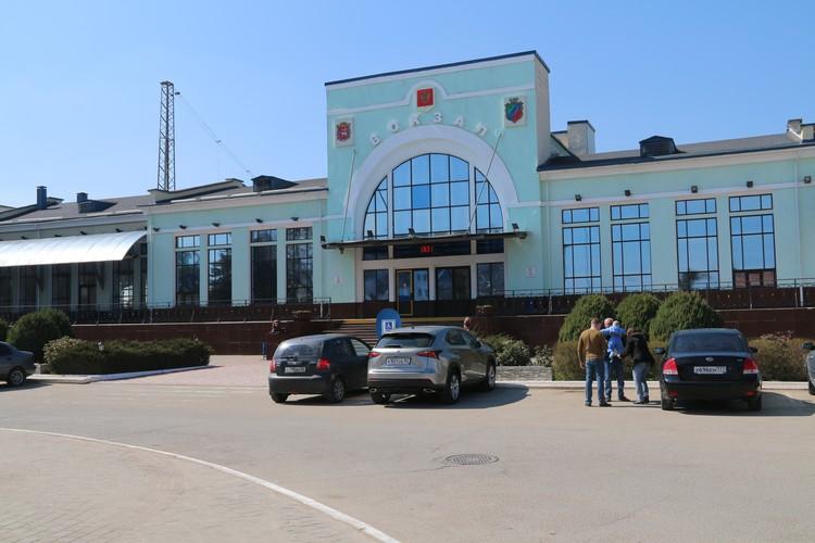 У таксистов, которые возят людей на Украину из Джанкоя, клиентов больше не стало