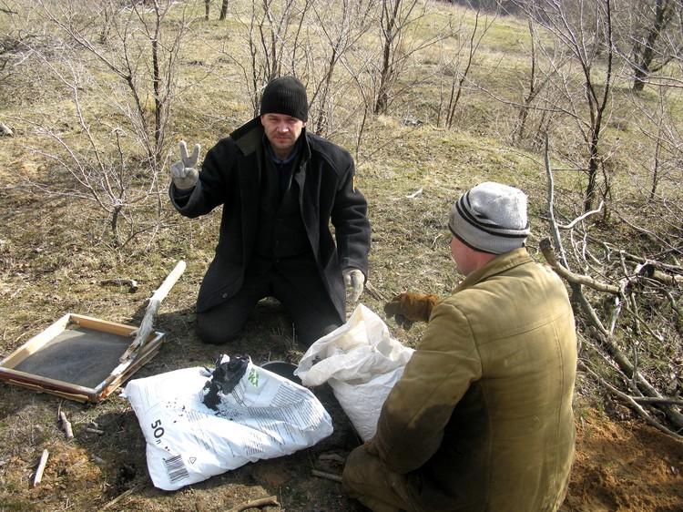 Взрывы в фильме - настоящие, их готовят профессионалы. Фото: Владислав РАХМАТУЛИН.