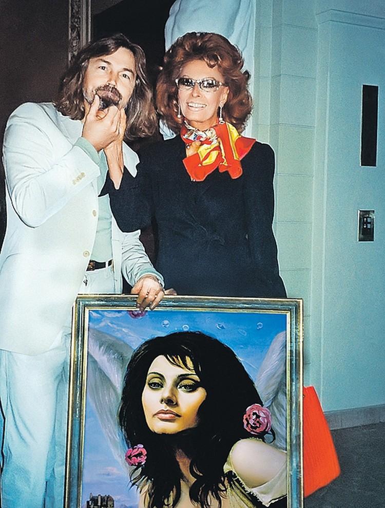Художник с великой Софи Лорен. Фото из личного архива