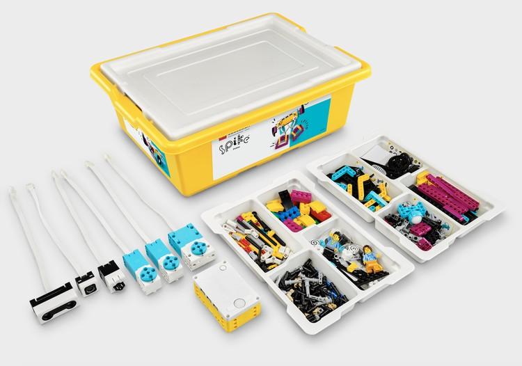 Что в коробке LEGO Education SPIKE Prime. Фото: LEGO.