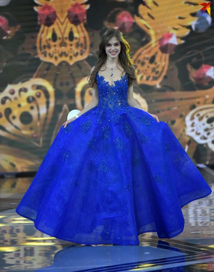 Королеве путевки на международные конкурсы «Мисс мира» и «Мисс вселенная»