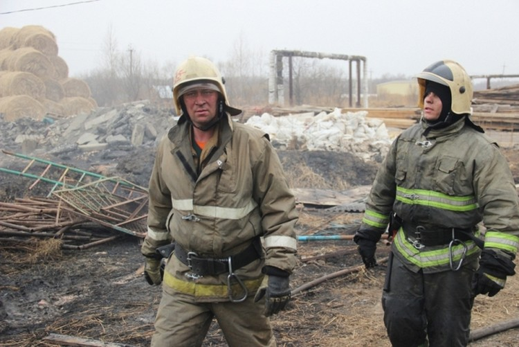 Пожарные выезжали на загорания сухой травы почти 100 раз
