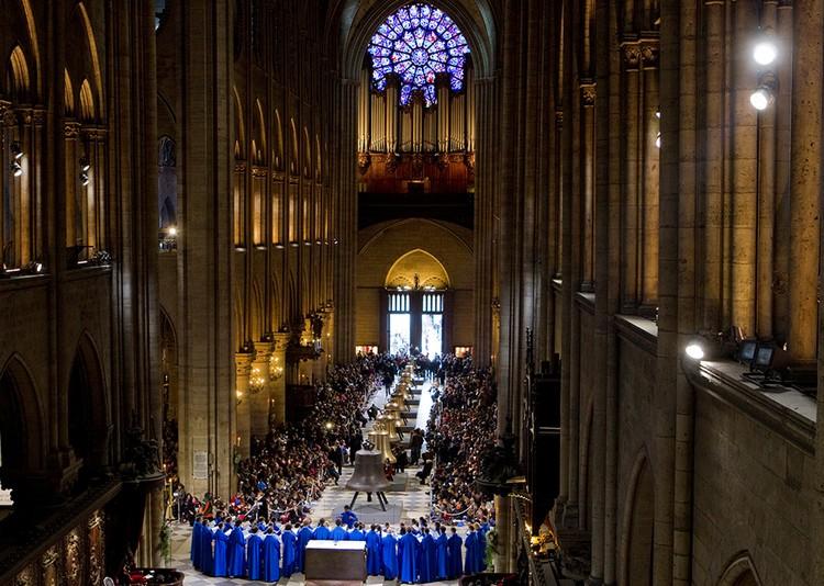 В соборе также находился Большой орган, созданный еще в 1402 году