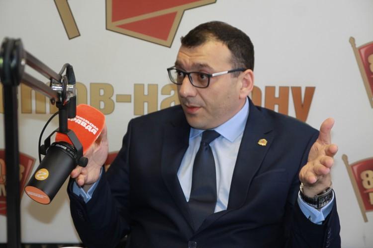 Христофор Юрьевич ответил на вопросы журналистов и радиослушателей в прямом эфире.