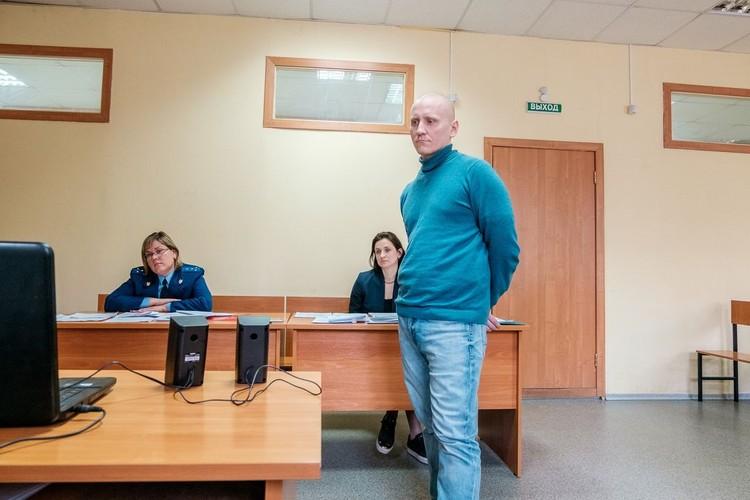 Дмитрия Князева, руководителя Новосибирского общества преданных Кришны, оштрафовали на 10 тысяч за подпольное миссионерство.