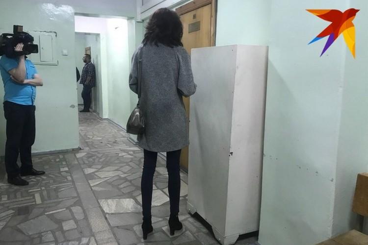 Супруга Павла Яромчука Василя постоянно стояла у дверей зала заседания