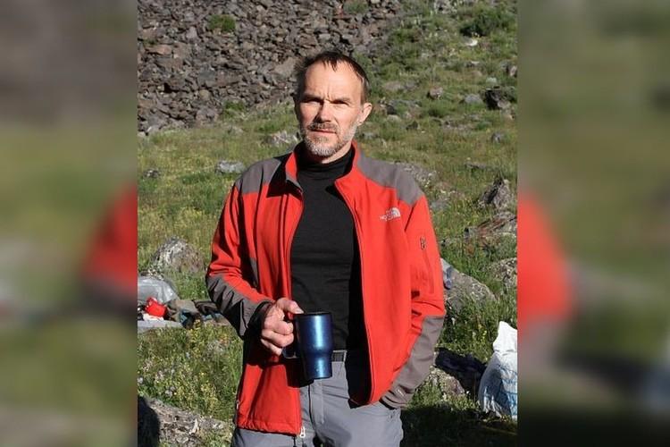 Руководитель группы - Николай Симонов.
