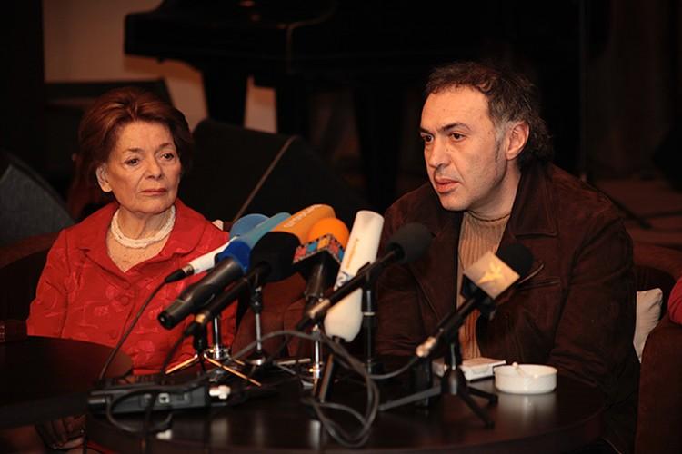 Карен Кавалерян с победительницей первого конкурса Евровидение Лис Ассия