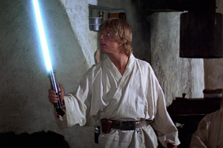 Какой ребенок не хочет иметь сегодня световой меч?