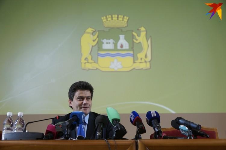 У журналистов накопилось очень много вопросов к Александру Высокинскому