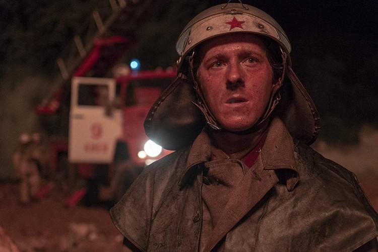 Таких красных звезд на форме пожарных в 1986 году не было, уверяет наш собеседник. Фото: «Чернобыль», Home Box Office