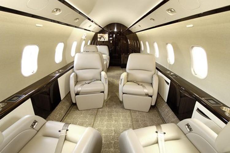 Самолеты Bombardier Challenger используются в бизнес-авиации