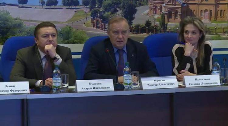 Андрей Кулаков свою вину не признает, хотя и подтверждает свои отношения с Евгенией Исаенковой. Фото: скрин с видео заседания