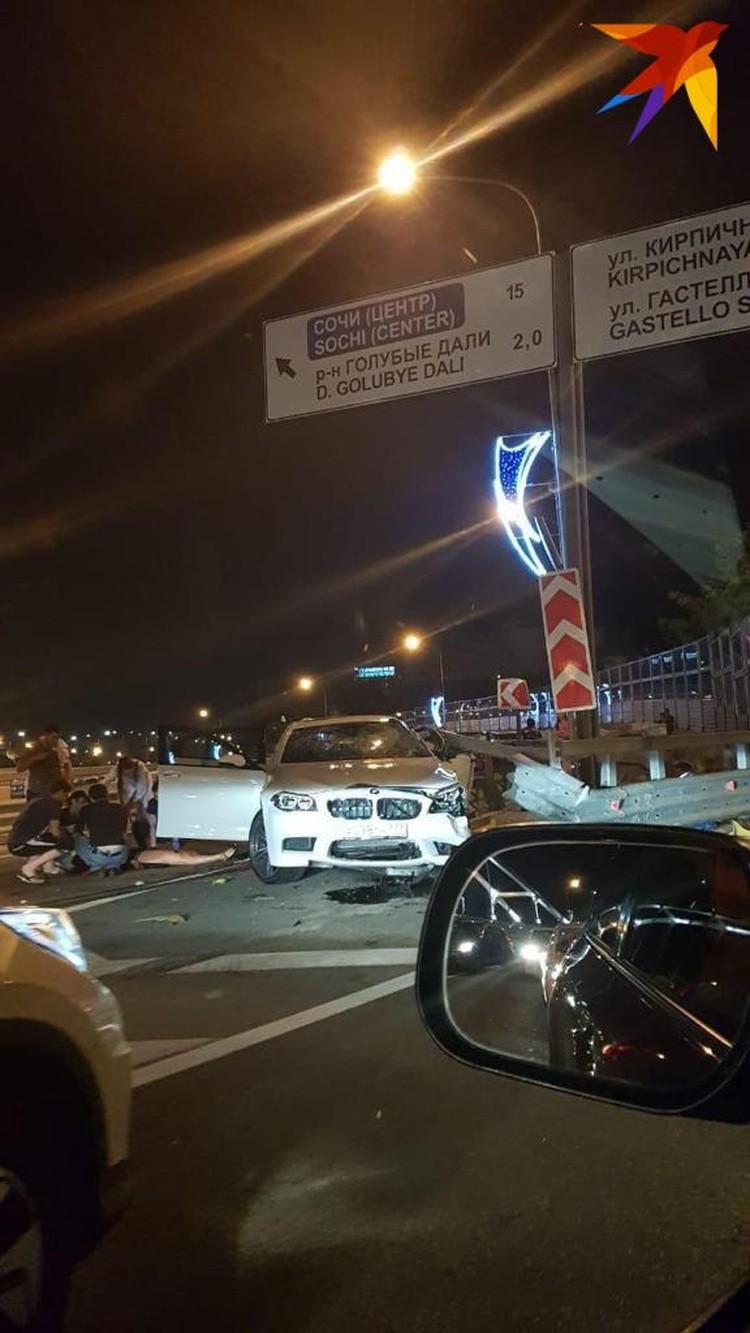 В страшной аварии погиб водитель и трое раненых