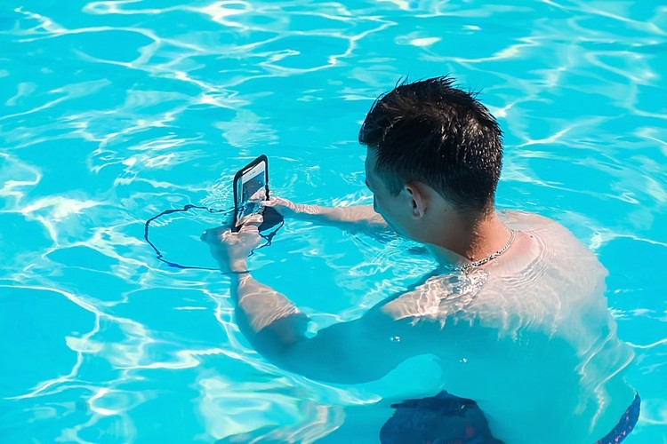 Водостойкий чехол для телефона