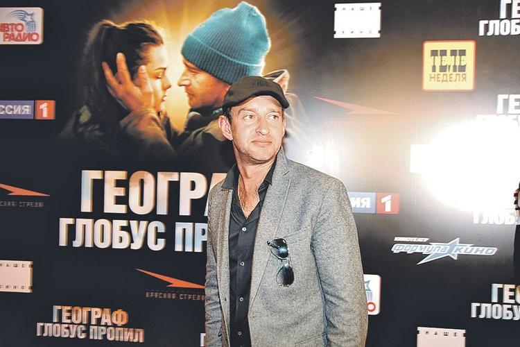 Обласканный критиками и «Кинотавром», сделанный по мотивам культовой книги и с участием популярных актеров, фильм «Географ глобус пропил» собрал шесть лет назад 143 миллиона рублей при затратах в 80 миллионов.